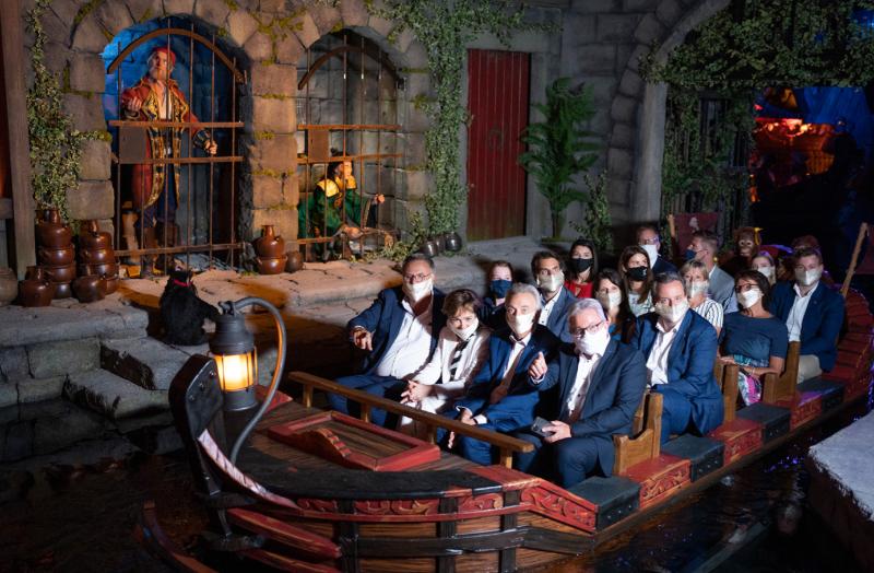 familie mack in nieuwe attractie pirates in batavia